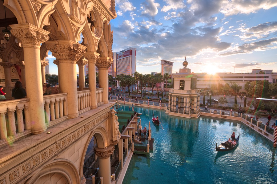 What's with Las Vegas: Things to do