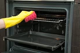 Our Guide To Keep Your Oven Clean
